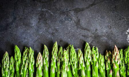 esparragos y verduras de temporada